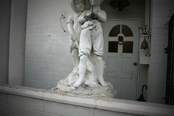 statue-parapluie